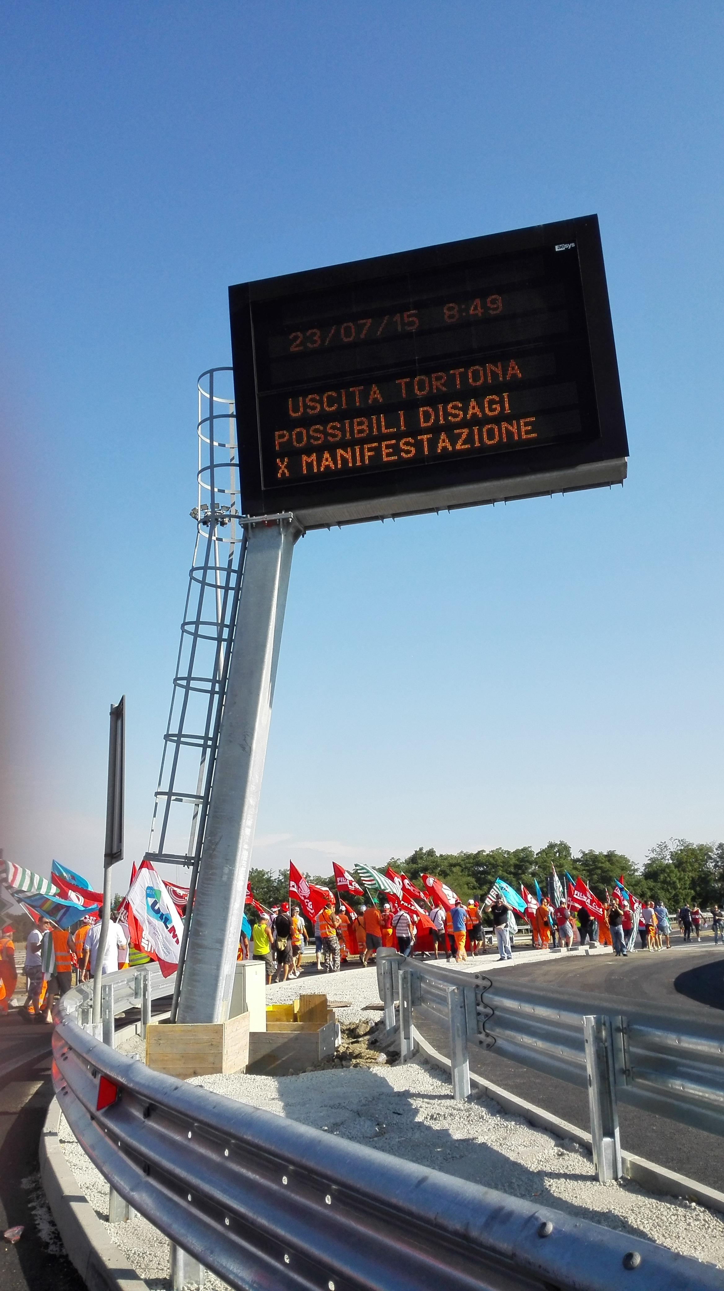 Appalti oggi lo sciopero in piemonte fenealuil for Ccnl legno e arredamento industria