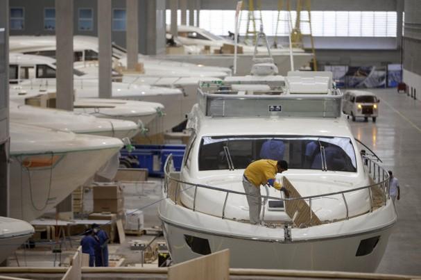 Ferretti-Group-shipyard
